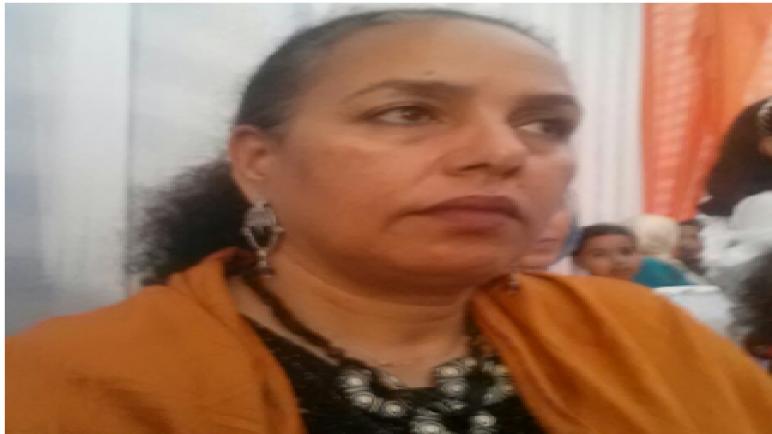 الفنانة المسرحية فاطمة الزيواني رئيسة جمعية حوش الفراجة للفنون