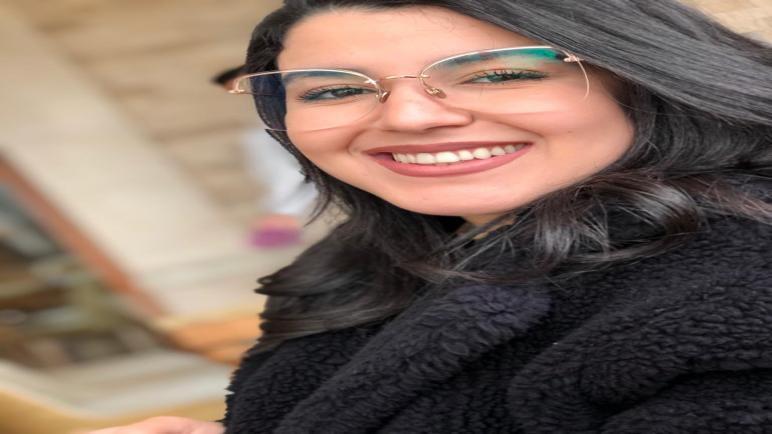 المصممة المغربية يسرى السينيتي : سفيرة الأصالة والمعاصرة في عالم الموضة والأزياء