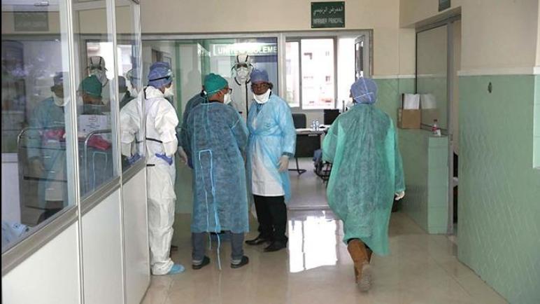 نقابات تعلن عن تعليق الاحتجاجات بالمستشفيات للانخراط في حملة التلقيح