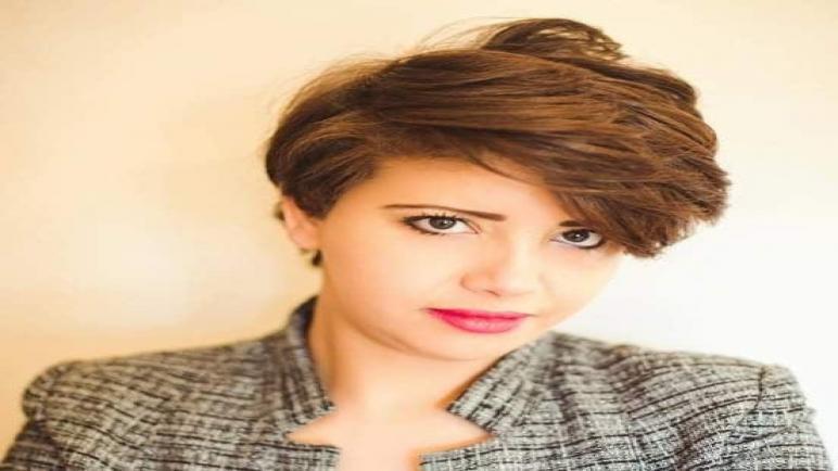 المصممة المغربية فاطمة الزهراء مبتهج: الألوان المبهجة تمنحني طاقة إيجابية لا متناهية
