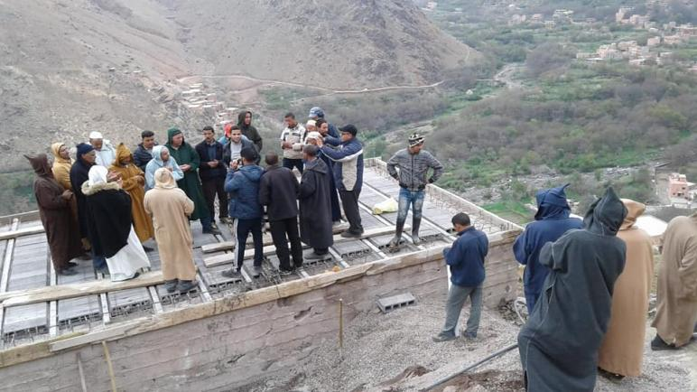 جمعية اليسر للتنمية الاجتماعية فرع مراكش تنصب صهريج لخزان المياه بمنطقة امليل دوار ارغن.