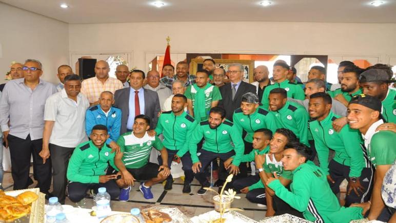 والي جهة مراكش اسفي يستقبل فريق مولودية مراكش .