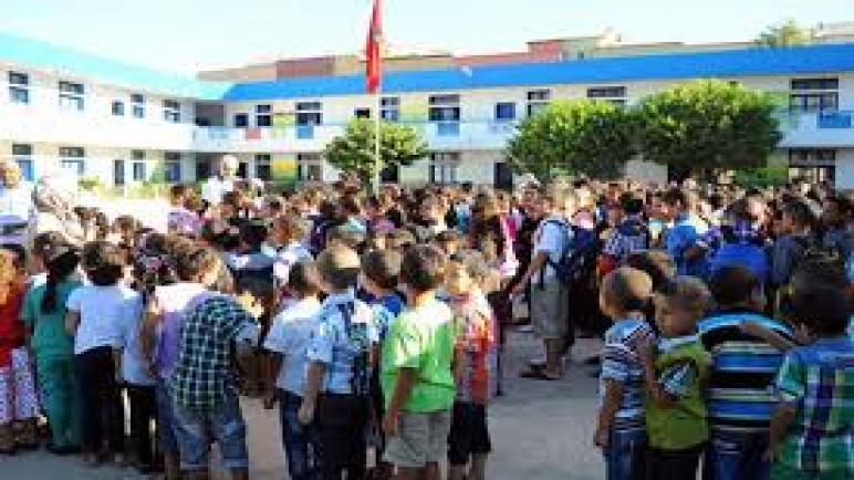 تحذير للآباء والأمهات: أمزازي يرسل التلاميذ إلى أفران كورونا