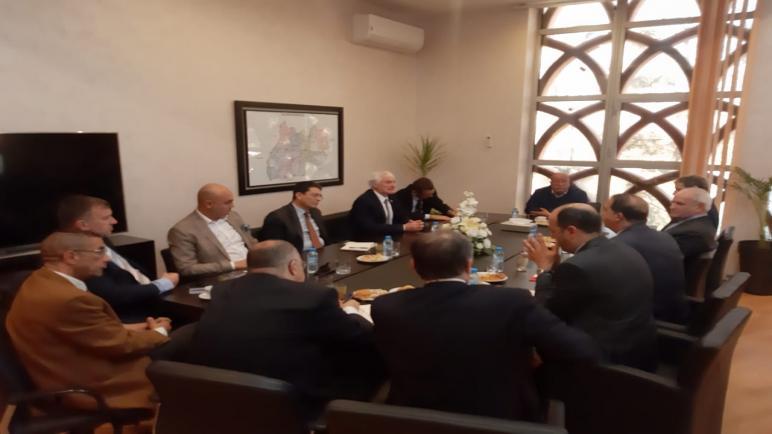 رئيس جهة مراكش أسفي يلتقي وفدا عن غرفة التجارة والصناعة الفرنسية بالمغرب …