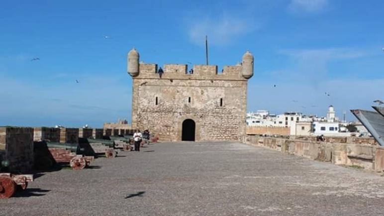 السهر على نظافة صقالة الميناء و محيطها البحري من أولويات مديرية الثقافة و الوكالة الوطنية للموانئ بالصويرة